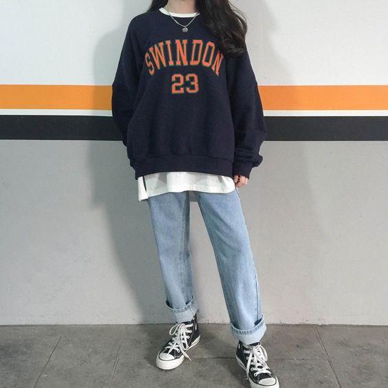 kết hợp áo hoodie với quần ống rộng