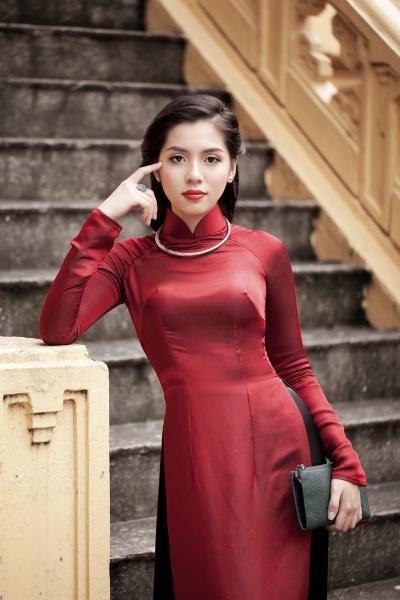 Mẫu áo dài may bằng vải lụa