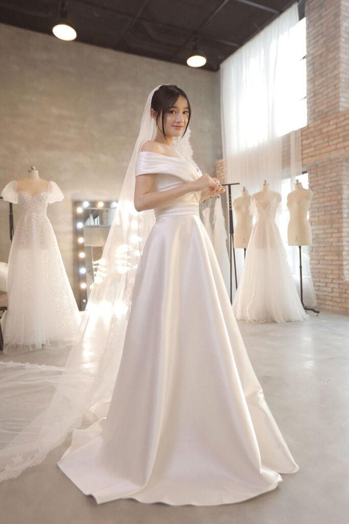Váy cưới satin cô dâu